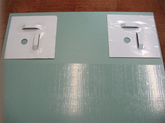 Крепеж для зеркала на стене